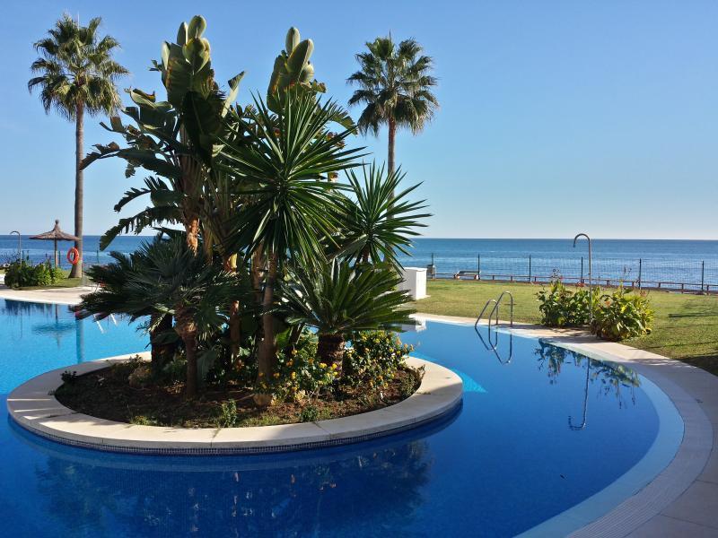Mi Capricho Beach, Costa del Sol con piscina privada, holiday rental in Sitio de Calahonda