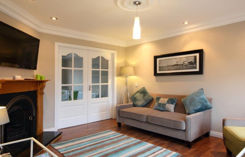 Modern 3 Bedroom House Walking Distance Away to Amenities, location de vacances à Stewartstown