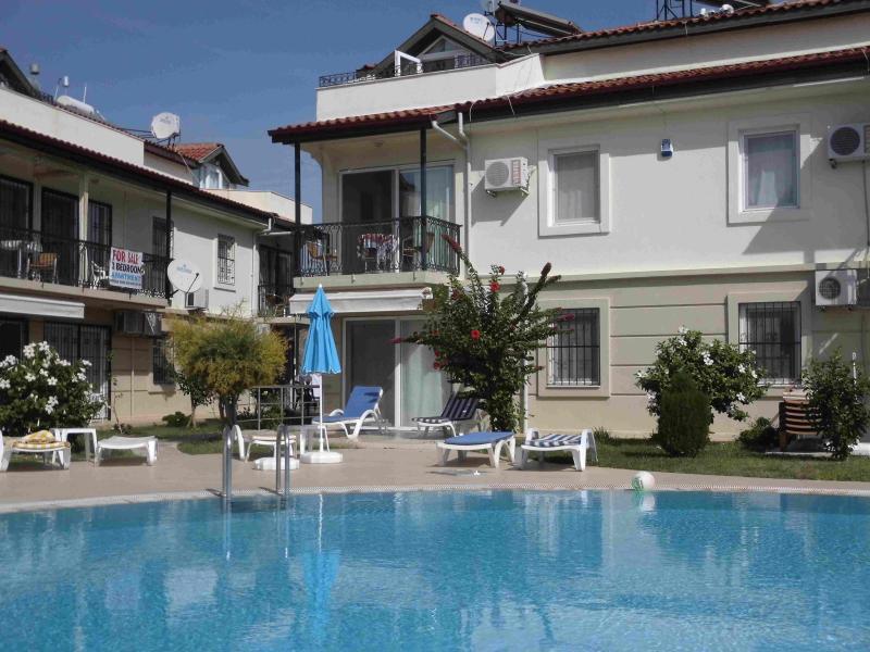 Calis Beach Club Apartement, Fethiye, holiday rental in Fethiye