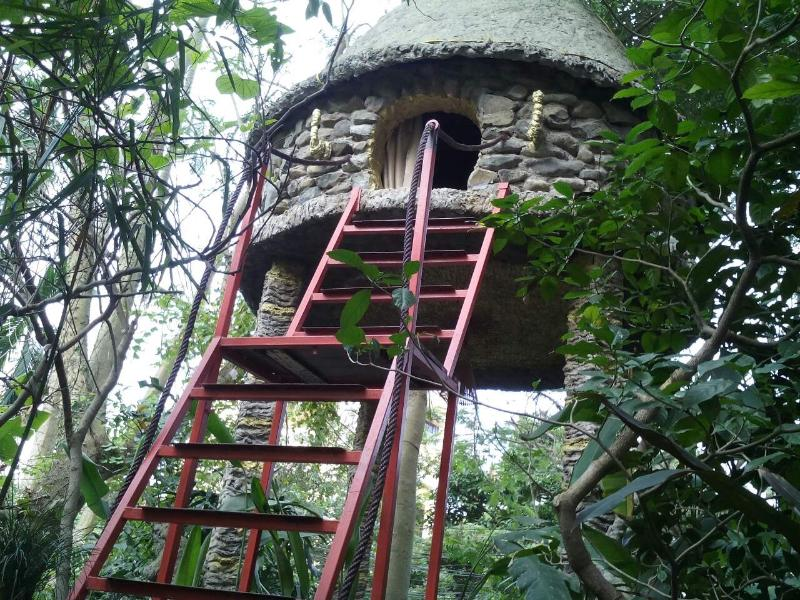 Cosy Tree House B&B w/ aircon Hanoi, holiday rental in Bac Ninh