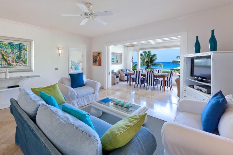 Schooner Bay 207 (2 bed), casa vacanza a Little Battaleys