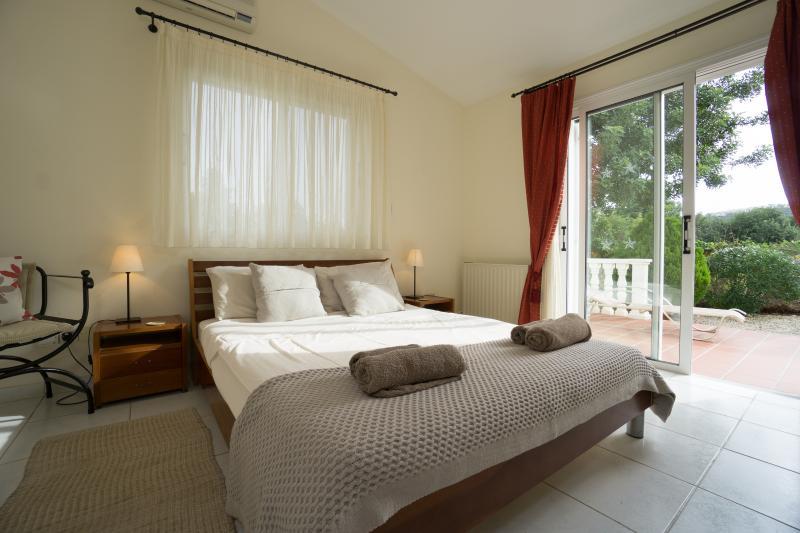 quarto piso térreo com cama king size