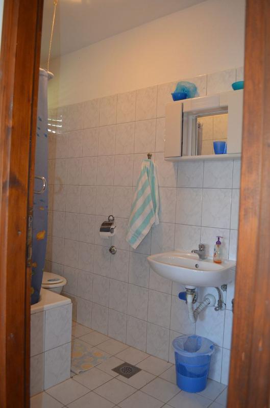 A3(2+1): bathroom with toilet