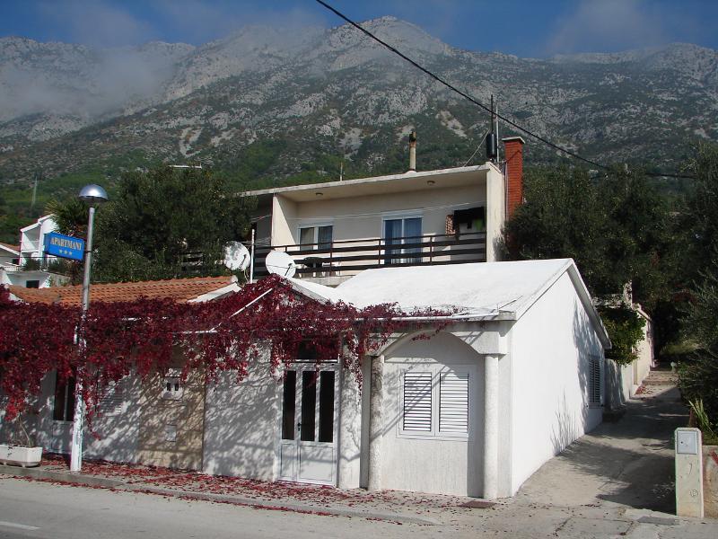 Željo - Apartment with two terraces: A1(4+1) - Gradac, casa vacanza a Gradac