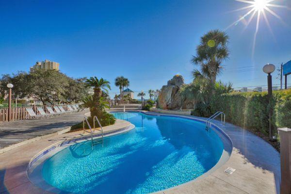Piscina do Portside Resort com Vista do Golfo