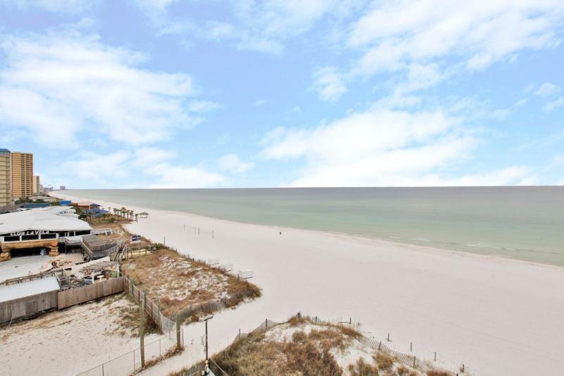 Beachfront of Moondrifter