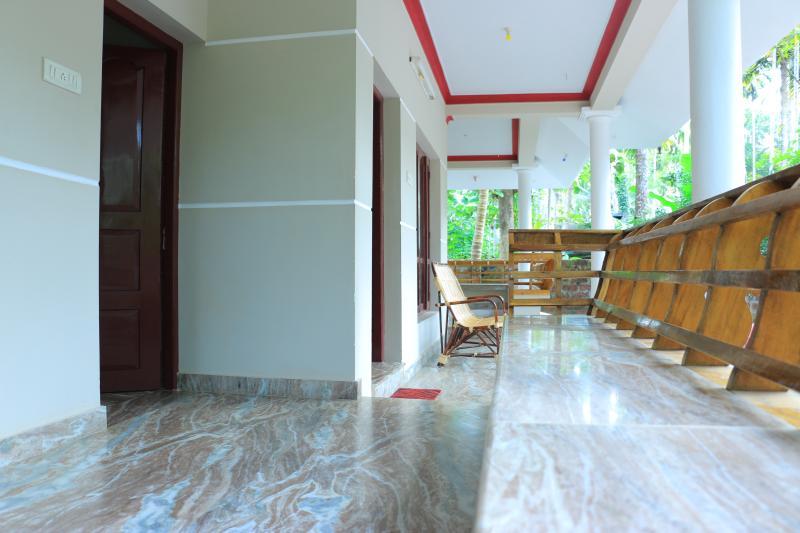 SILENT VILLAS, NORTH CLIFF, VARKALA BEACH,  KERALA, vacation rental in Varkala Town