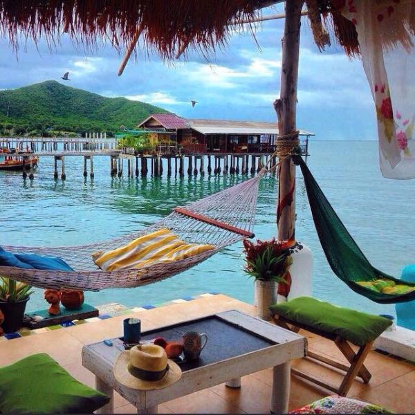 El cobertizo está en el mar podrá relajarse y disfrutar de su estancia aquí.
