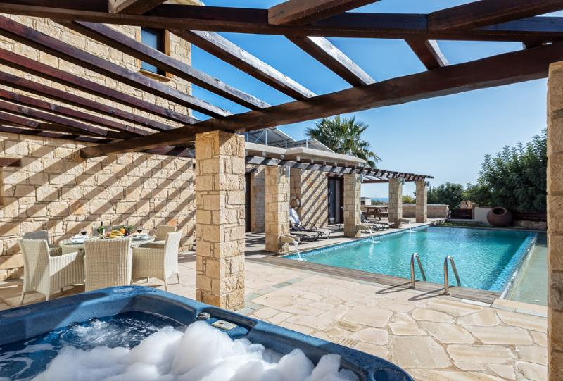 Luxury stone build 3 bedroom villa with private pool and Hot Tub