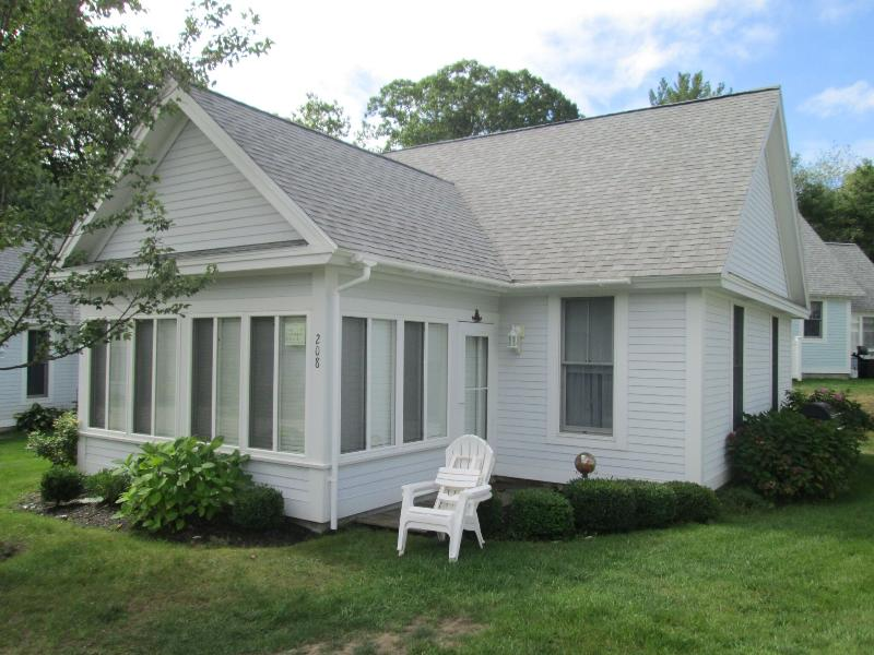 Gorgeous!!! 2 Bedroom Wells, Maine Cottage in Gated Community, holiday rental in North Berwick