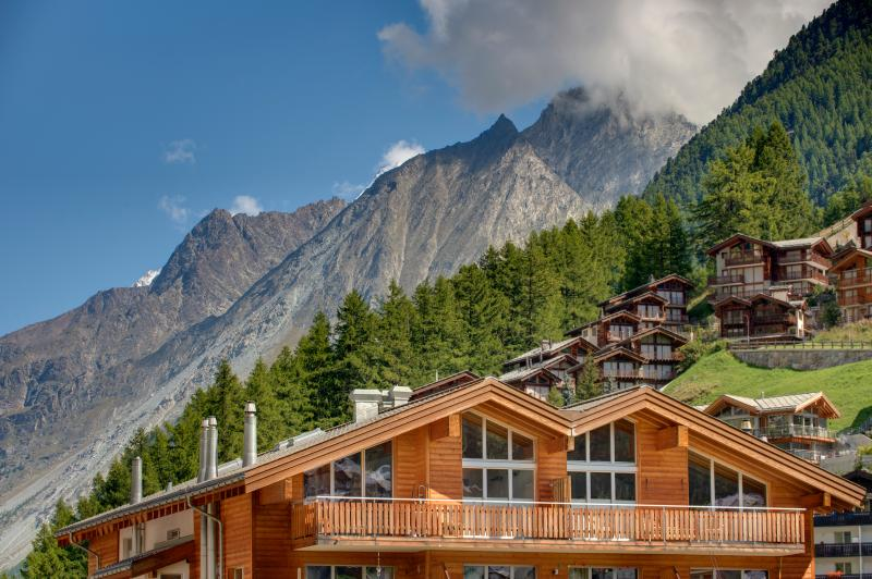 Southfacing Penthouse - 170 sqm with unmatched views of Zermatt and the Matterhorn.