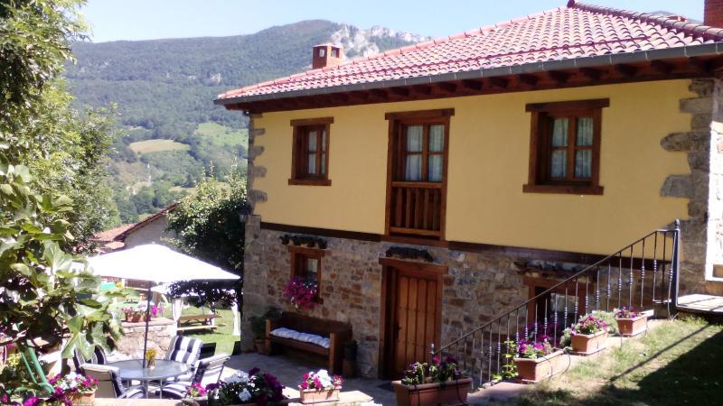 Apartamentos Caloca - Potes - Picos de Europa, aluguéis de temporada em Tudes