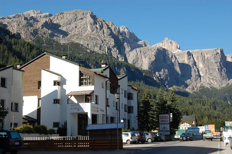 "<span class=""translation_missing"" title=""translation missing: en.shared.featured_properties.alt_for_rent, resort: Corvara"">Alt For Rent</span>"