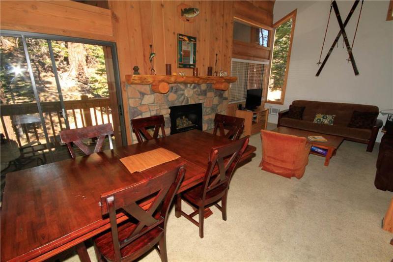 Couch, Ameublement, Chaise, Salle à manger, intérieur