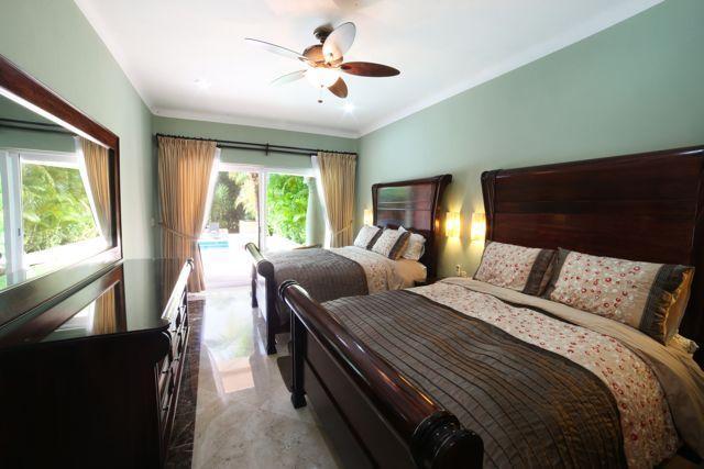 camera da letto Sarita. 2 letti queen size