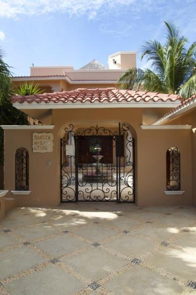 cancello d'ingresso Sarita