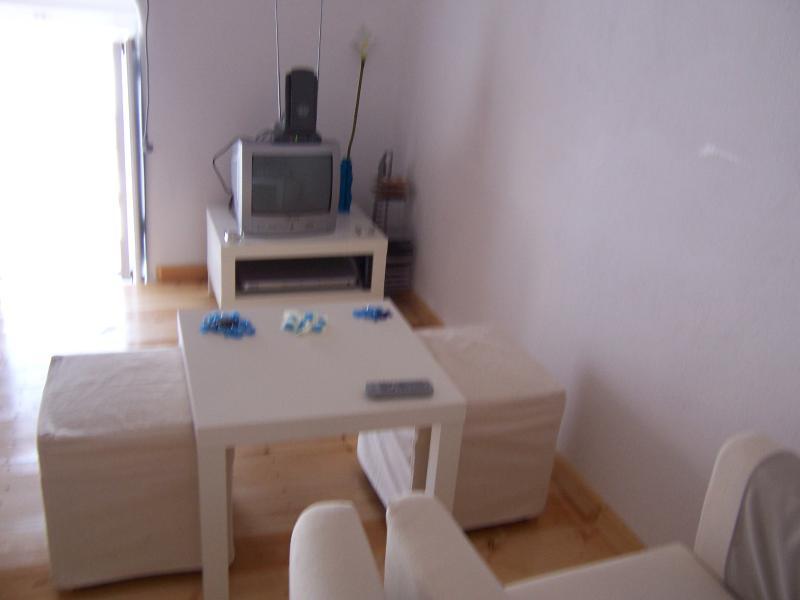 Mini-Wohnzimmer mit tv, dvd, Filme und Musik