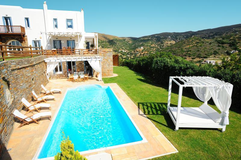 Heliades Villas, location de vacances à Andros