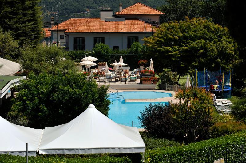 Bellagio Sporting Club restaurante bar piscina na frente do apartamento de 20 metros