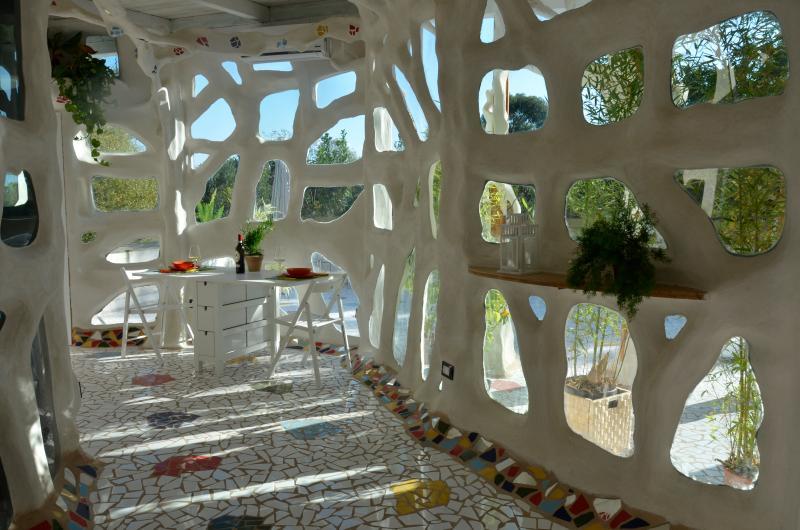 A unique house in liveable sculpture. The inside living