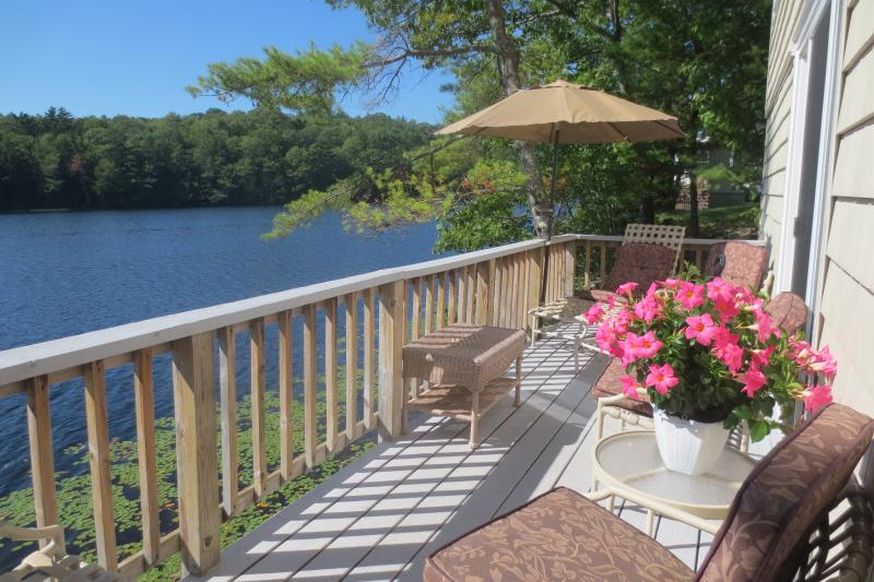 Scenic Location on Lake Knickerbocker. Sunny porch and private Floating dock with kayak and canoe.