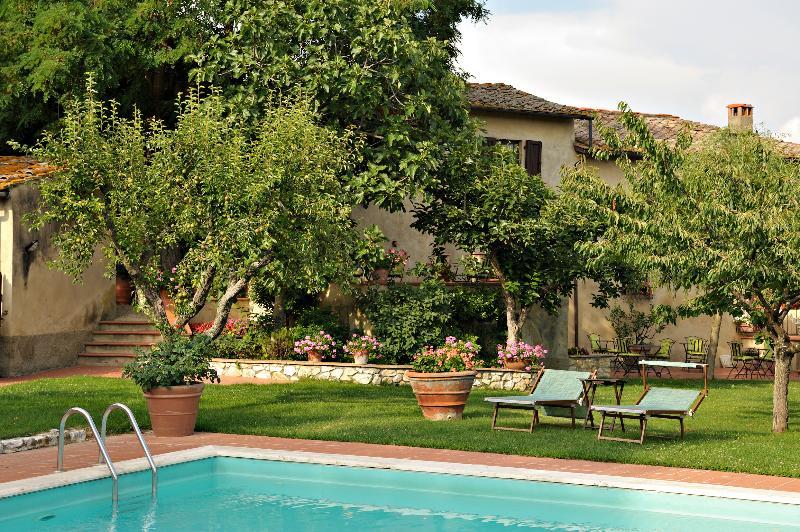 Bed and Breakfast 'IL Casolare di Libbiano' - Giardino e piscina