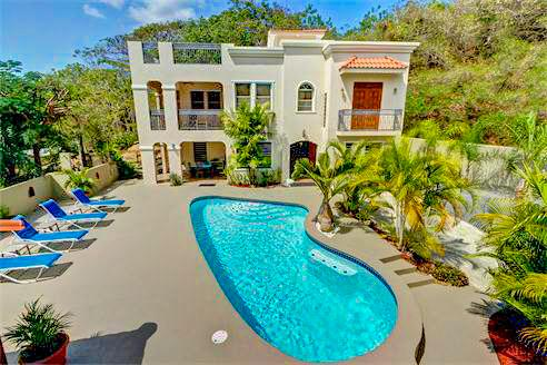 Private Villa and Pool- Perfect location for your next vacation.