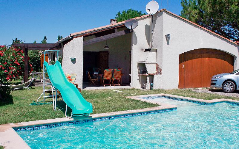 Luxury villa for 6 with private pool near Carcassonne, holiday rental in Carcassonne Center