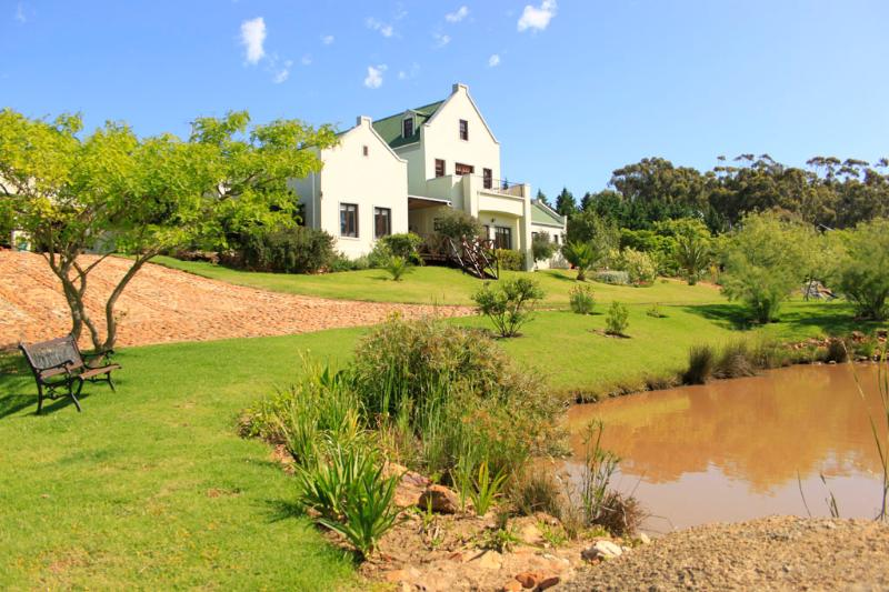Peace Valley Guesthouse - superior 4* TGCSA accredited accommodation in Napier Western Cape