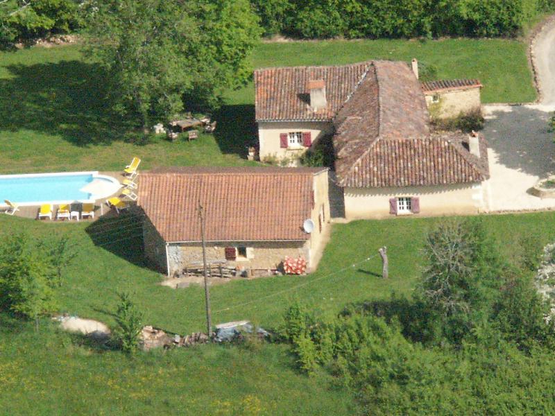 Charme et confort d'une authentique ferme rénovée, vacation rental in Eglise-Neuve-de-Vergt