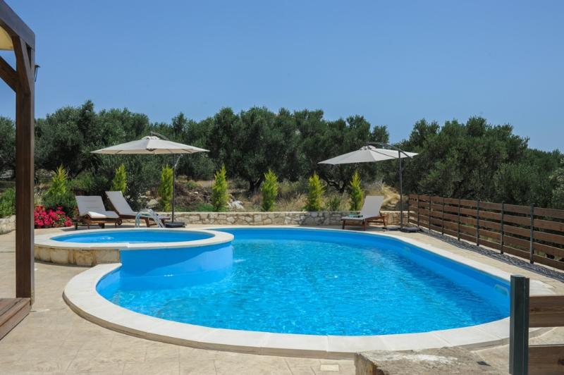 Nature Villa Exterior - Private Pool - Magnificent Views