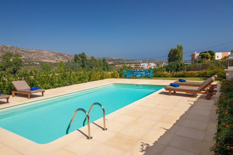 Beach Front Villa - Private Pool - Magnificent Views