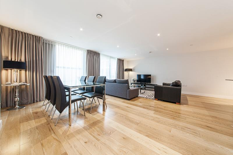 19 Prime Location Parkside Apartment, holiday rental in Madingley