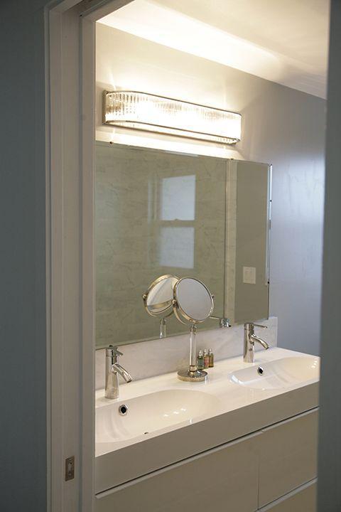 Salle de bains principale. Nous avons le système d'eau chaude instantanée pour votre confort.