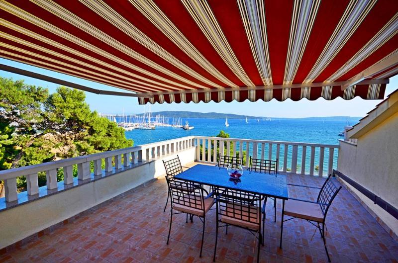 Luxury penthouse apartment Mediterranean, location de vacances à Kastela