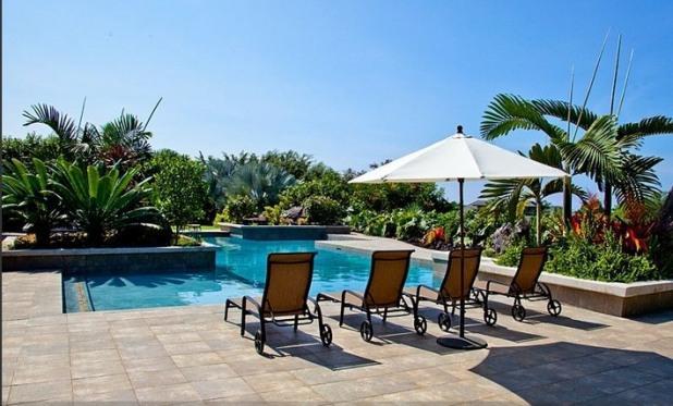 Ahinahina Hale- Minutes to the Beach/ Amazing View/ Private Pool / AC / Spacious, vacation rental in Kailua-Kona