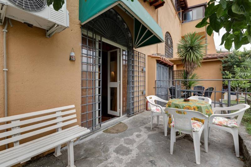 Appartamento Girasole-Residence Paolina, holiday rental in Grottaferrata