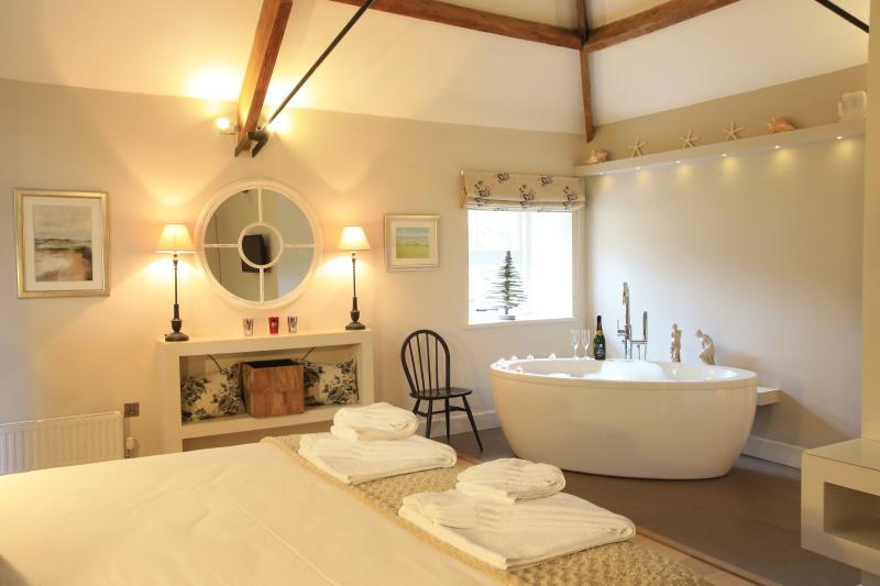 Hayloft at dalesencottages - romantic bathing