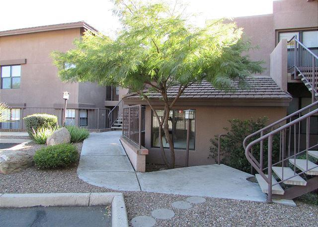 Model, Very Private, tastefully furnished and upgraded 1st Floor 2 bedroom, holiday rental in Tucson