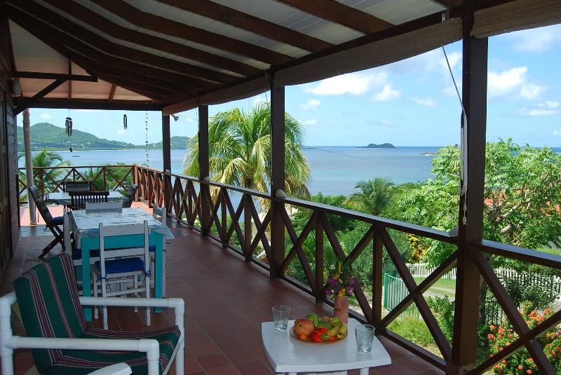 Palm Trees Beach House, Carriacou near Grenada, holiday rental in Hillsborough