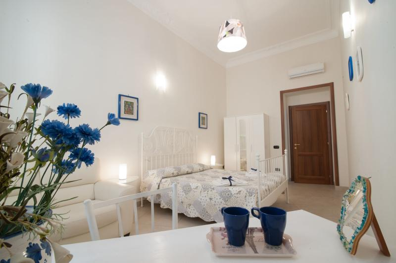 La terra del sole - Napoli, vacation rental in Naples