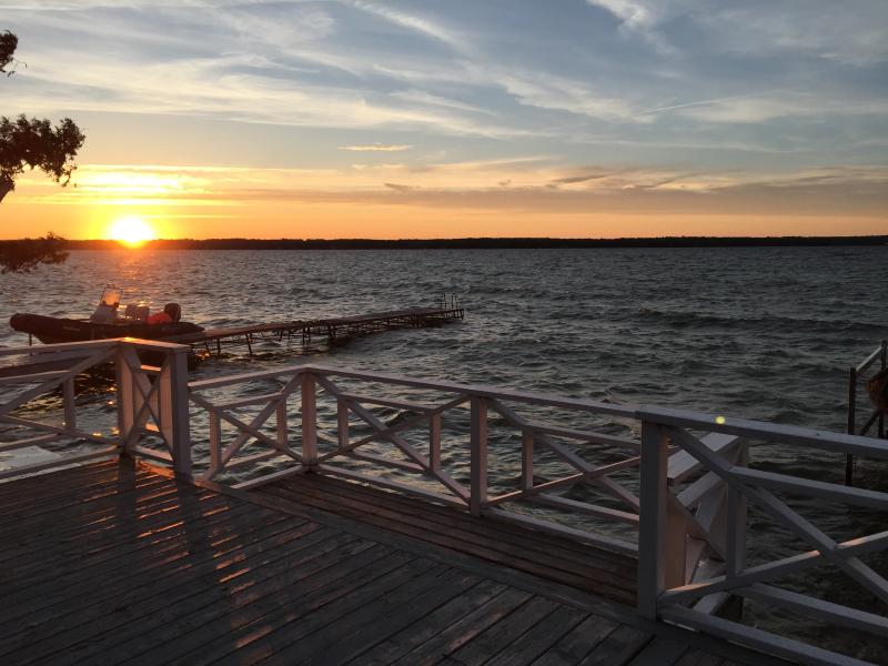 Stunning Big Bay Point Lake House, holiday rental in Orillia