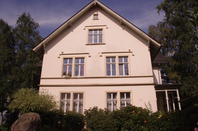 Villa Weyermann - 1 Room Appartment, holiday rental in Remscheid
