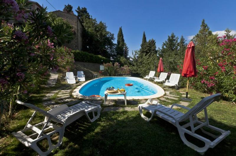 fienaia Tiglio, lovely lodging with garden for al fresco dining, swimming pool, alquiler vacacional en Chianni