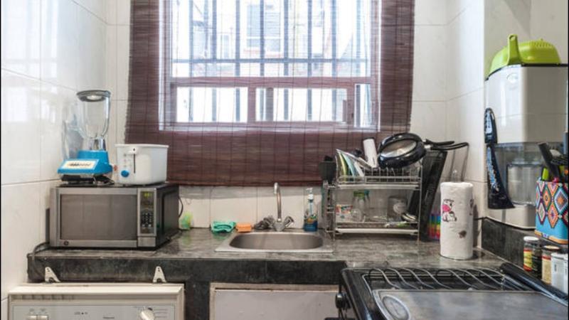 Oublier de laver la vaisselle, lave-vaisselle, seulement vous devrez mettre vos plats !