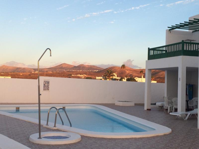 Alhambra Apartments Calle Burgao 12 Has Wi Fi And Washer Updated 2019 Tripadvisor Puerto Del Carmen Vacation Rental