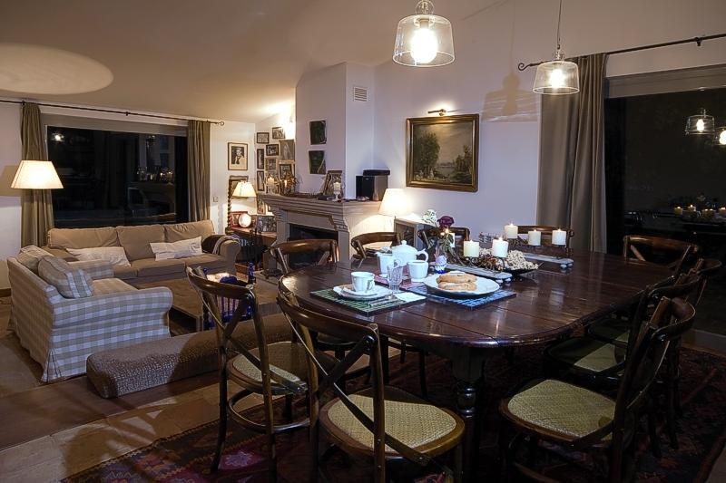 Lounge, dining room