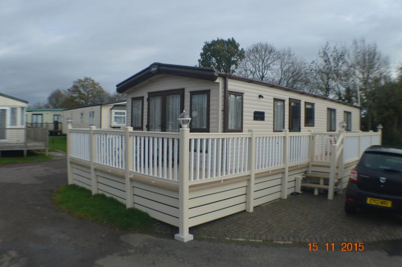 Luxury Six Berth Static Mobile Homw, casa vacanza a Saxmundham