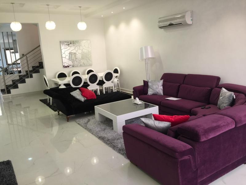 ALMAHMOOD-AMWAJ, alquiler de vacaciones en Baréin