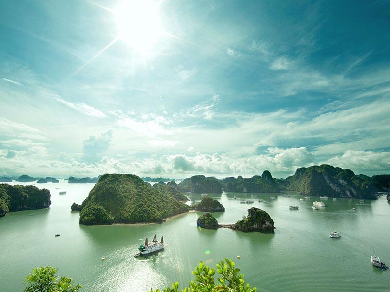 Fierté du Vietnam baie d'Halong est l'une de ces destinations que vous ne voudrez pas manquer